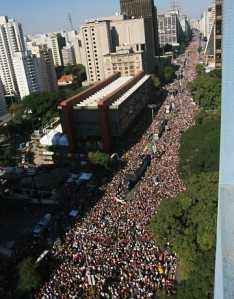Bird's eye view of PR Parade in 2006